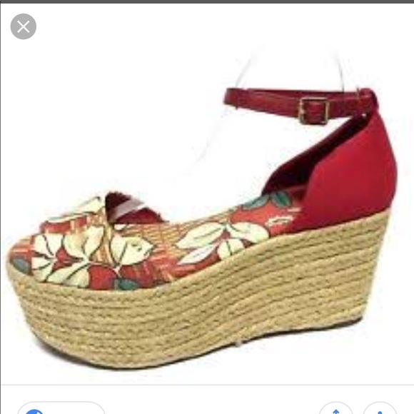 10974afda Tory Burch Elodie wedge sandals size 6. M 5ba10db0c2e9fee0e900d584